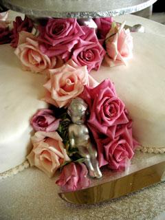 heart shaped wedding cakes