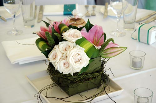 Decorating for wedding receptions decoration ideas and - Flowers for table decorations ...