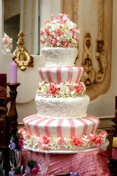fake wedding cake