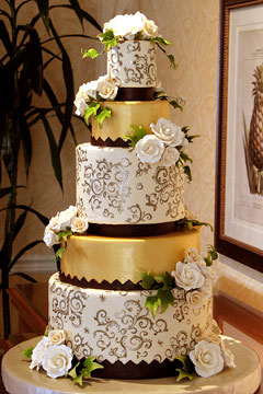 Gold Cakes Luxurious Wedding Cakes