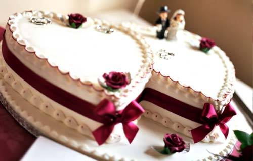Cake Design Heart Shape : Pictures of Heart Shaped Wedding Cakes
