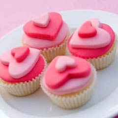 heart shaped wedding cupcakes