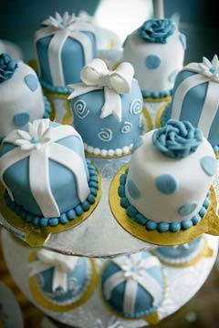 designer miniature wedding cake