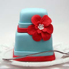 Retro two tier mini blue and red wedding cake