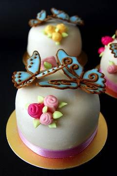 creative mini wedding cake