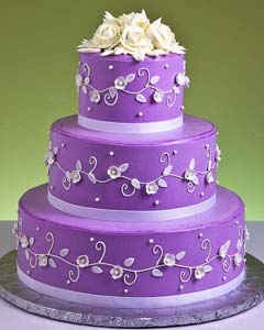 Purple Wedding Decorations on Lovely Three Tier Purple Round Fondant Wedding Cake Decorated With
