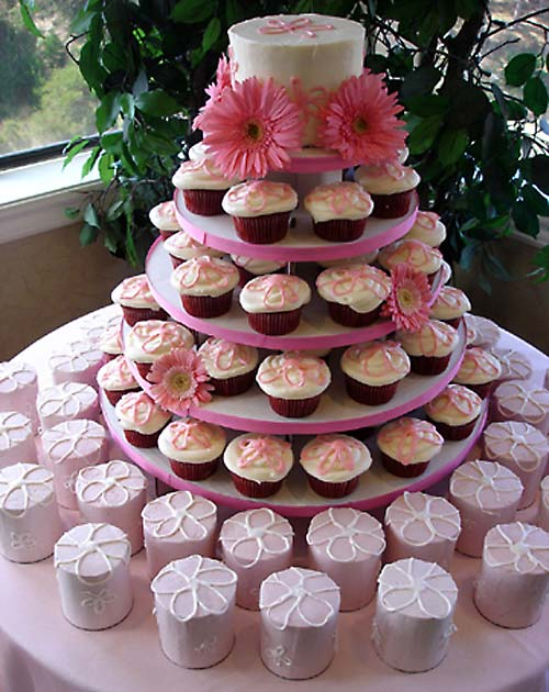 memorable wedding 4 advantages of a cupcake wedding cake. Black Bedroom Furniture Sets. Home Design Ideas