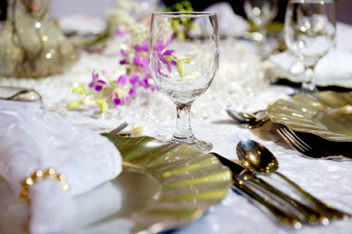 wedding reception decoration ideas. Gold theme wedding reception table settings. & Unique Wedding Reception Decoration Ideas