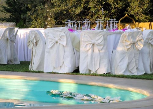 Pool Wedding Decoration Ideas 20 unexpected wedding flower ideas Wedding Reception Ideas