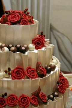 huge wedding cakes