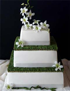 Green and white three tier square Japanese wedding cake design