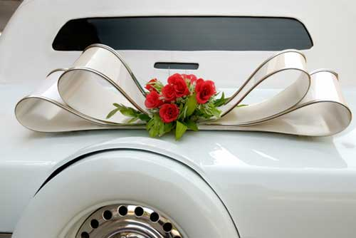 wedding car decorations - red rose floral arrangement