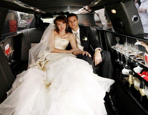 wedding transportation - luxury wedding car