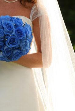 blue bridal bouquet pictures 6