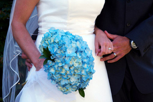 blue bridal bouquet pictures 3