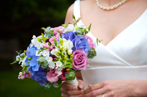 Heavenly blue bridal bouquet ideas pictures for Pink and blue flower arrangements