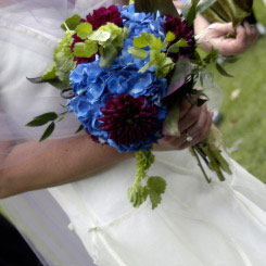 blue bridal bouquet pictures 7