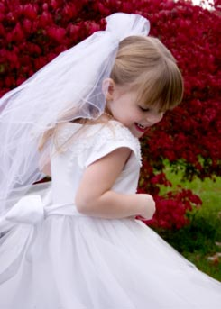 flower girl etiquette - junior wedding flower girl