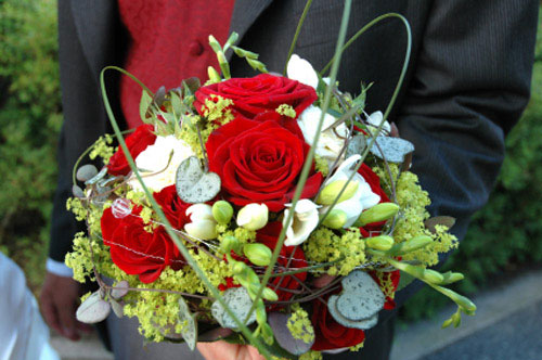 red bridal bouquet pictures 10