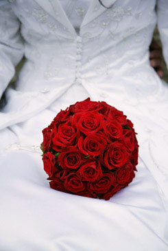 red bridal bouquet pictures 2