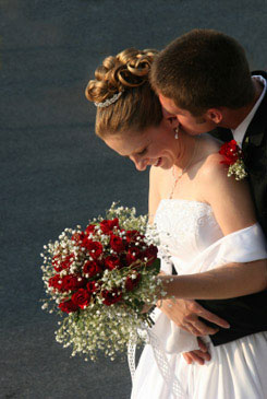red bridal bouquet pictures 3