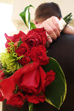red bridal bouquet pictures 5