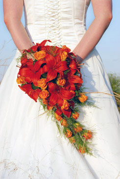red bridal bouquet pictures 8