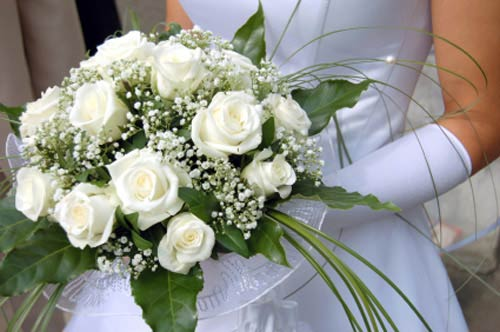 Gorgeous white bridal bouquet ideas pictures white bridal bouquet pictures junglespirit Gallery
